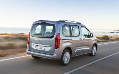 """AUTOBEST-gála: A győztes Opel Combo Life a """" legjobb autóvétel Európában / 2019"""""""